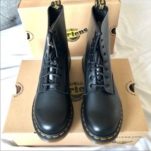 Dr. Martens 1460 Smooth Black Boots